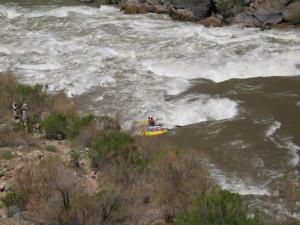 Lava Falls rapid w raft